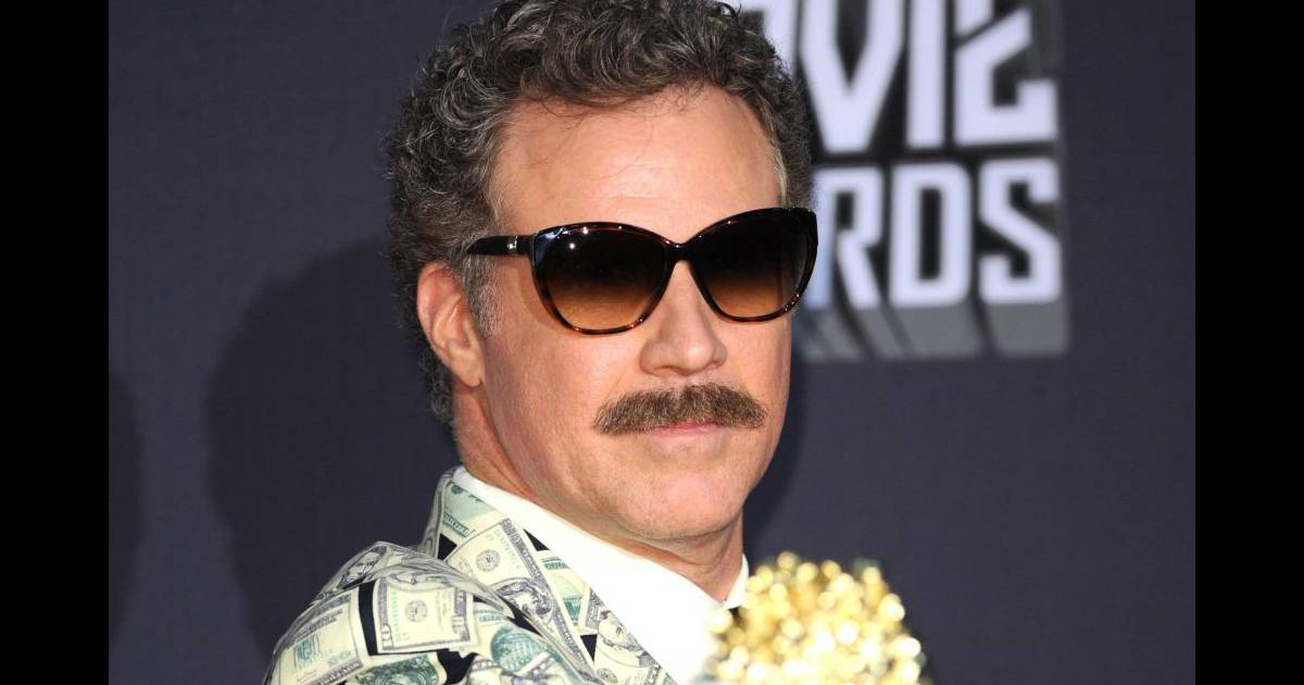 will ferrell s 39 offre un style hors du commun avec ses boucles sa moustaches et ses lunettes de. Black Bedroom Furniture Sets. Home Design Ideas