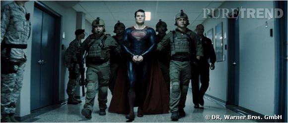 Henry Calvill dans son rôle de Superman.