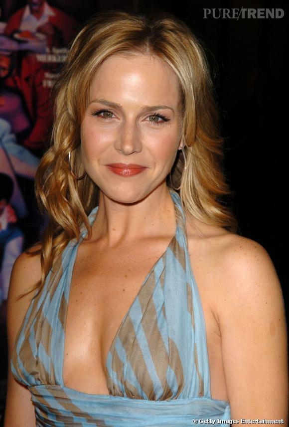 Julie Benz sort son potentiel sexy en 2005.