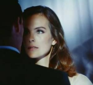 """1993 :  Publicité Chanel N°5 """"Sentiment troublant"""" par Bettina Rheims avec Carole Bouquet."""
