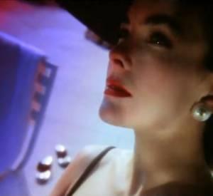"""1990 : Publicité Chanel N°5 """"La star"""" par Ridley Scott avec Carole Bouquet."""