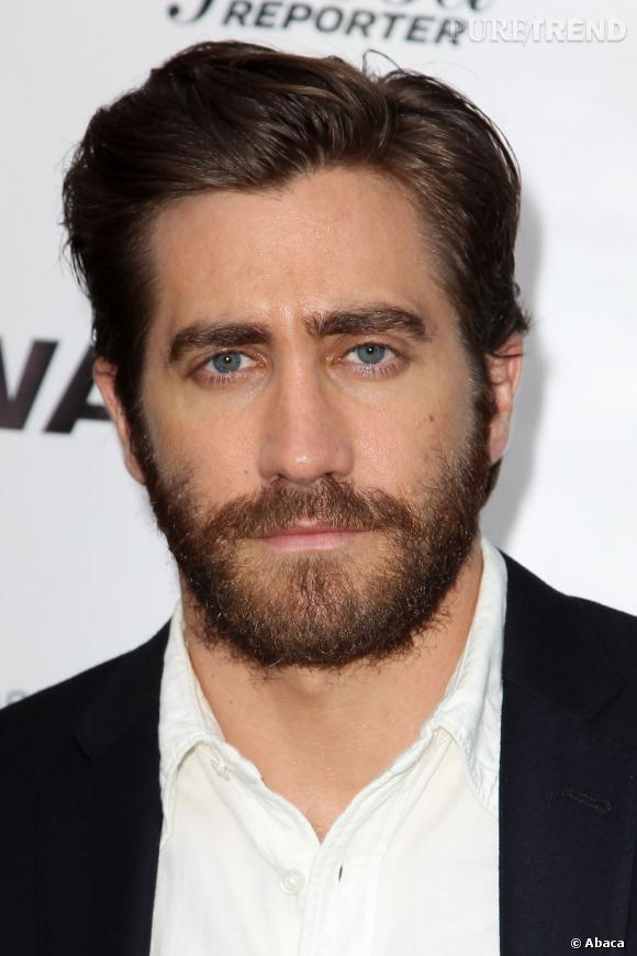 jake gyllenhaal porte une barbe imposante qui fait ressortir son regard bleu puretrend. Black Bedroom Furniture Sets. Home Design Ideas