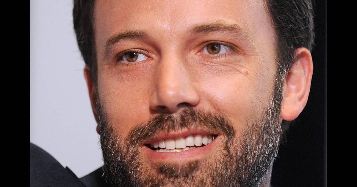 ben affleck a tout pour lui sa barbe brune bien fournie est la cerise sur le gteau - Coloration Pour Barbe