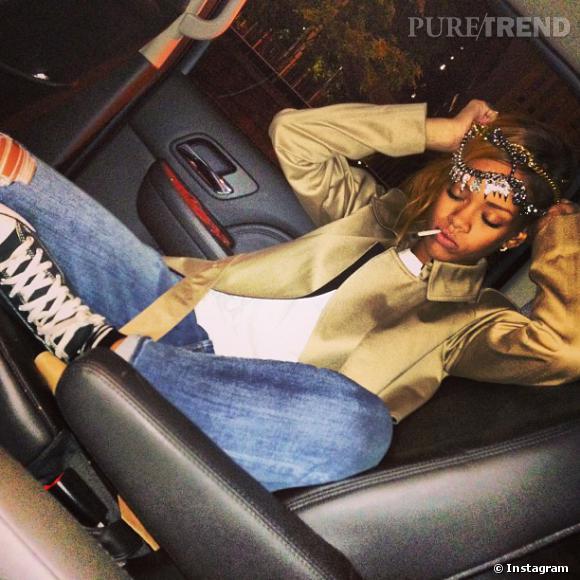"""Rihanna a partagé cette photo avec la légende : """"Les mauvaises filles veulent un vrai mec."""""""