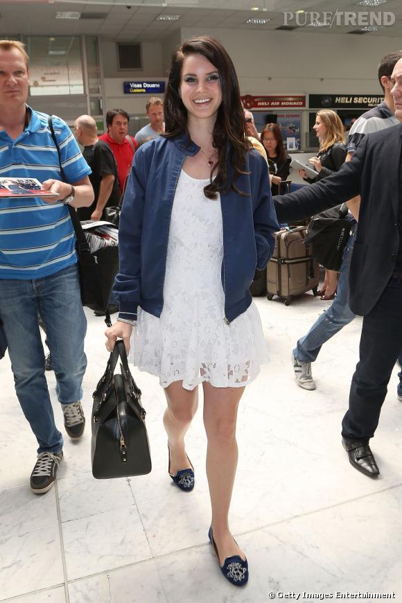 """Lana Del Rey arrive elle aussi à Nice pour la promotion de """"Gatsby le Magnifique""""."""