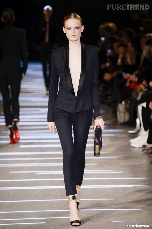 Vu sur les podiums : la tendance smoking au féminin    Alexandre Vauthier, défilé Haute Couture Printemps-Eté 2013