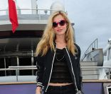 Georgia May Jagger, rock et relax sur un yacht... A shopper !