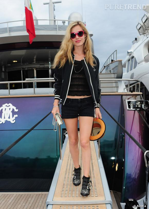 Georgia May Jagger, aperçue lors du Festival de Cannes 2013, mise sur une tenue qui se veut estivale.