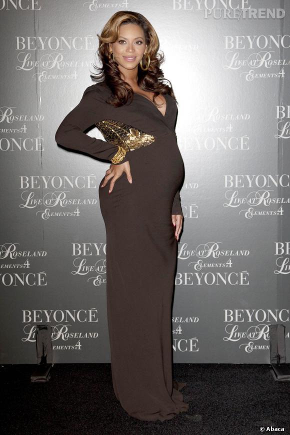 Beyoncé lors dela projection de son concert live, magnifique dans une robe moulante...