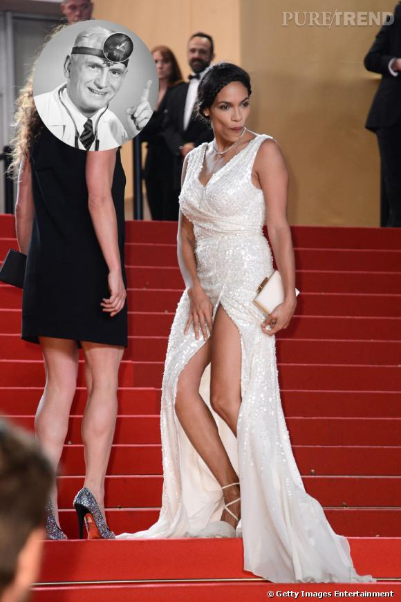Rosario Dawson qui essaie de cacher le fait qu'elle ne porte pas de sous-vêtements : Dr People, pourquoi les stars se promènent les fesses à l'air ?