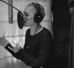 Jessie J: Studio Clip