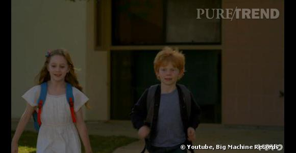 Dans le clip, on suit les aventures de mini Taylor et mini Ed tombant amoureux.
