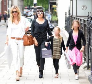 Kate Moss, Sadie Frost et leurs filles.
