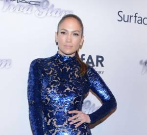 Jennifer Lopez vs Lily Cole : la robe electrique seconde peau Tom Ford