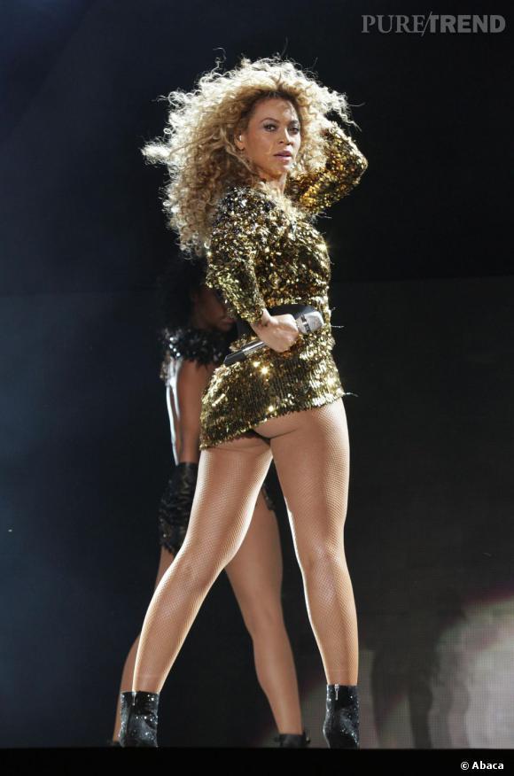Beyoncé sur la scène de la Pyramide en 2011.