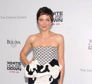 "Maggie Gyllenhaal pour la première de ""White House Down"" porte une robe Christian Dior."