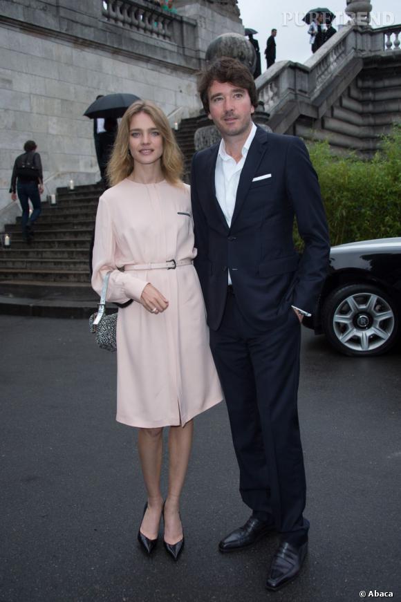"""Le couple Natalia Vodianova et Antoine Arnault à l'inauguration de l'exposition """"The Glory of Water""""."""