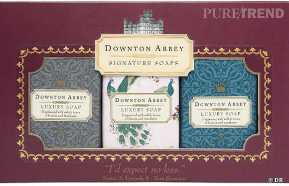 La gamme de produits Downton Abbey par Marks & Spencer comprend des savons très chics au packaging rétro.
