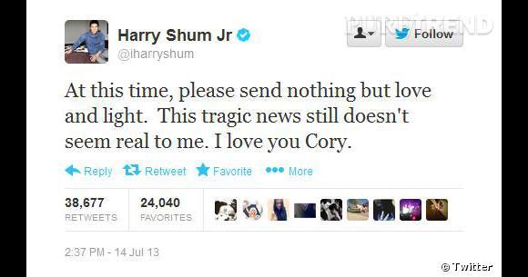 """""""En ce moment, n'envoyer rien d'autre que de l'amour et de la lumière. Cette nouvelle tragique n'a toujours pas l'air réelle pour moi. Je t'aime Cory"""" tweete Harry Shum Jr, partenaire de Cory dans la série """"Glee""""."""