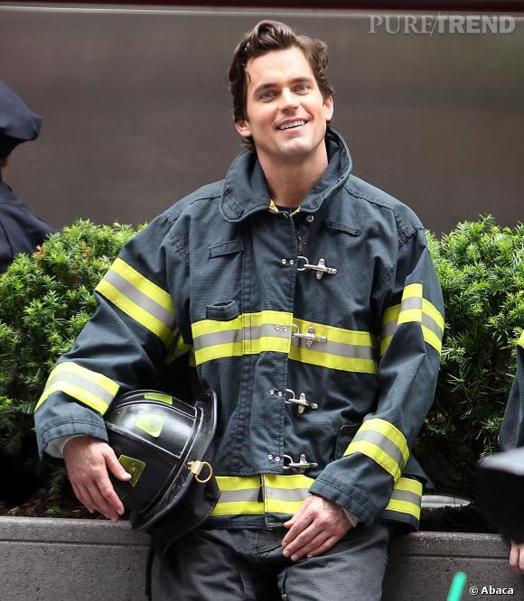 """Matt Bomer en pompier ! Cela doit lui rappeler le tournage de """"Magic Mike""""..."""
