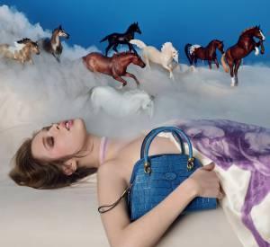 Campagne Pop Touch de David LaChapelle qui présente présente la nouvelle collection des sacs Sella de Tod's.