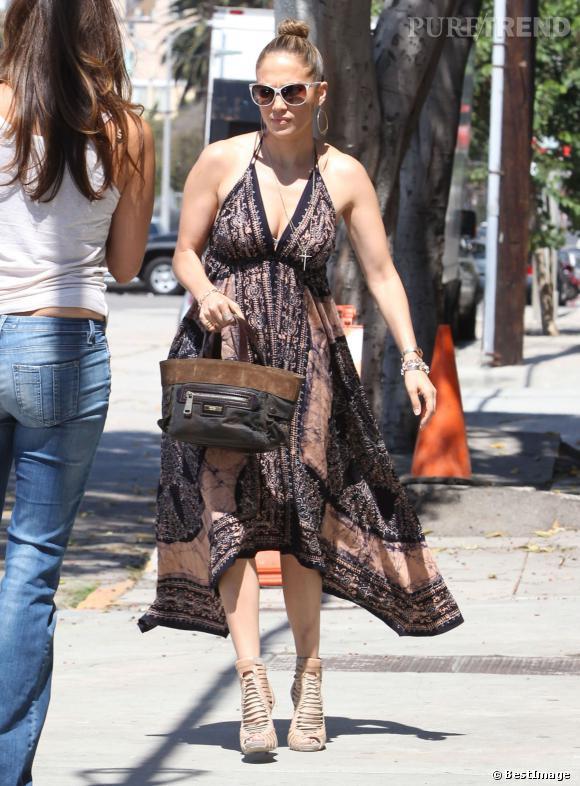 Jennifer Lopez, une allure carrément plouc à Los Angeles.