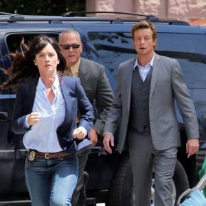 """Mais dans la série """"Mentalist"""", Robin Tunney s'en tient à son personnage de Lisbon, ses jeans et ses chemises."""