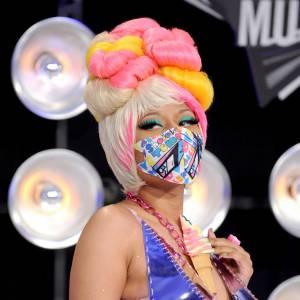 Nicki Minaj et sa coiffe totalement barrée.