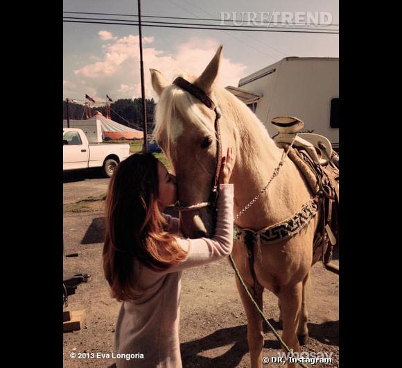 Eva Longoria a trouvé un nouvel ami sur le plateau de tournage de son nouveau film.