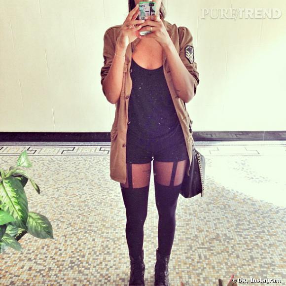 Et quand elle ne pose pas sur tapis rouge, Shy'm prend ses looks en photo pour ses fans !