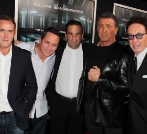 Arnold Schwarzenegger et Sylvester Stallone dans un thriller musclé.