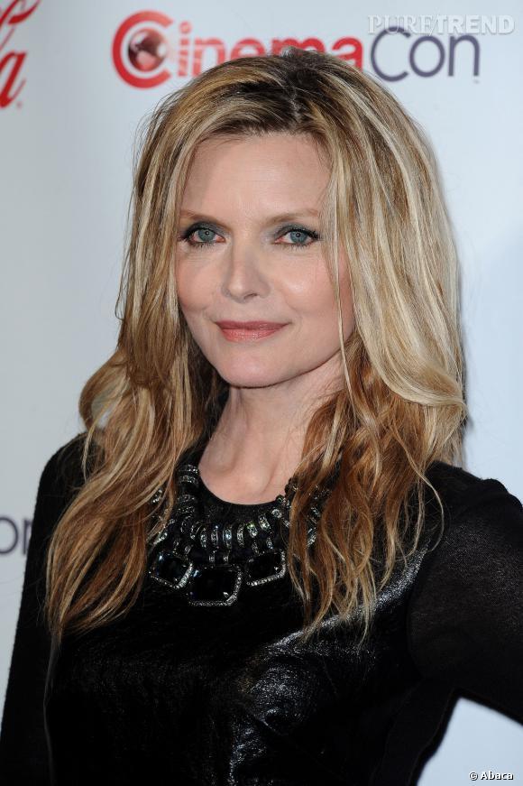 On n'est pas vraiment fan de la mise en beauté de Michelle Pfeiffer au CinemaCon 2012...