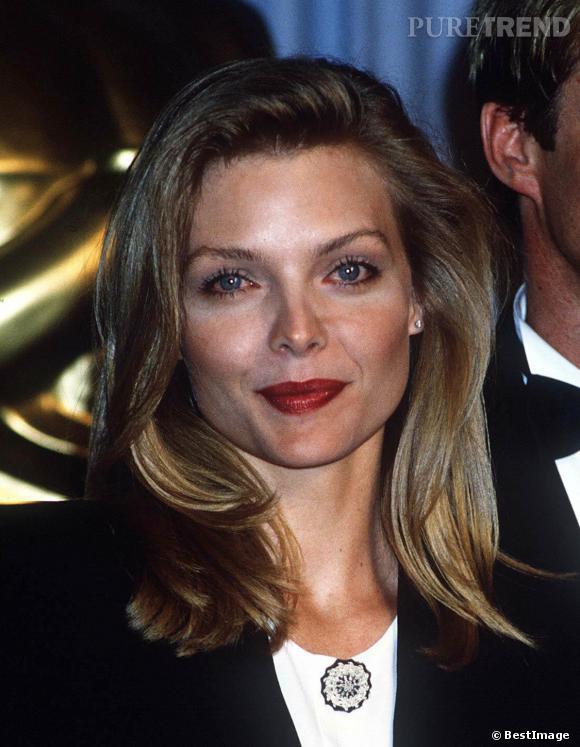 Michelle Pfeiffer et son brushing très présidentiel, en 1989.