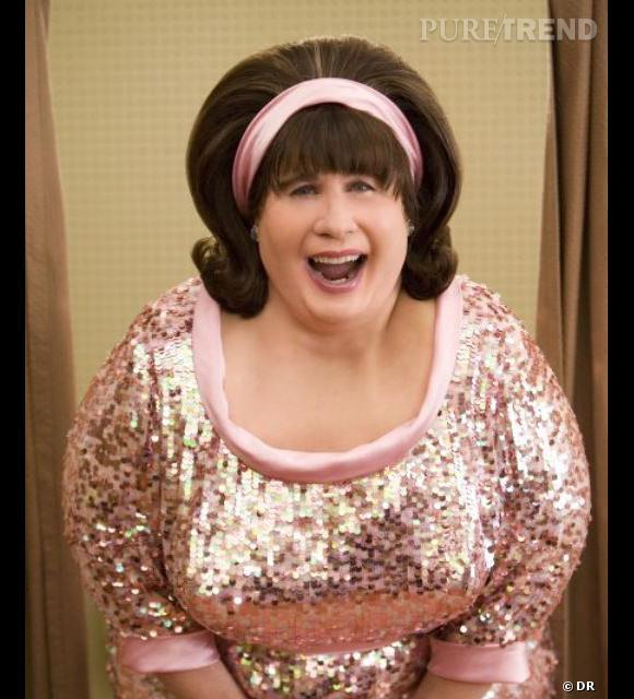 Dans Hairspray, John Travolta incarne une femme bien en chair et au brushing impressionnant.