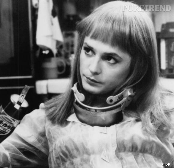 Une blonde à frange et aux yeux de biche ? Il s'agit de Michael J Fox dans Retour vers le future II.