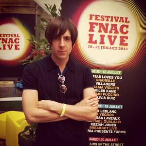 Miles Kane s'est produit à Paris cet été au Festival Fnac Live.