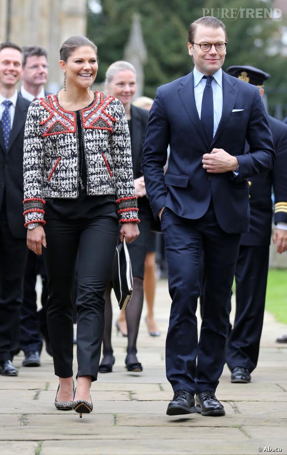 Victoria de Suède porte une veste Isabel Marant pour H&M, en boutique le 14 novembre 2013.