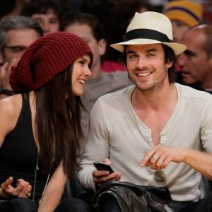 Verra-t-on bientôt Nina Dobrev et Ian Somerhalder à un match des Lakers ?