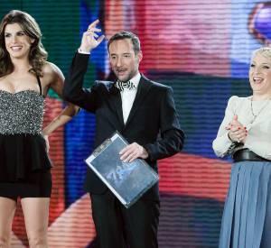 Elisabetta Canalis est visiblement restée trop longtemps loin des tapis rouges depuis sa rupture avec George Clooney.