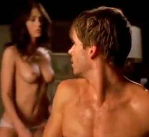 Lizzy Caplan dans True Blood : un peu de courage liquide pour affronter les scènes de sexe