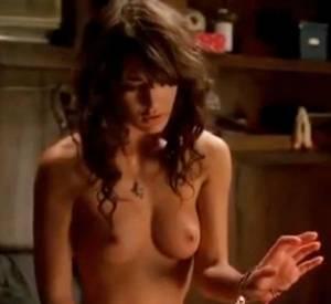 Lizzy Caplan dans True Blood : peu pudique !