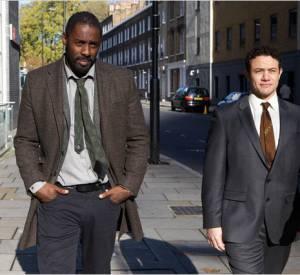 """Idris Elba alias John Luther aux côtés de l'agent Justin Replay dans """"Luther""""."""