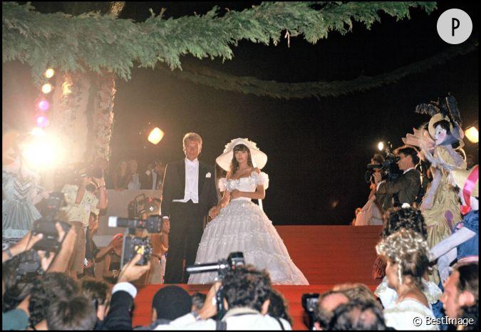 johnny hallyday et adeline blondieau le jour de leur mariage. Black Bedroom Furniture Sets. Home Design Ideas