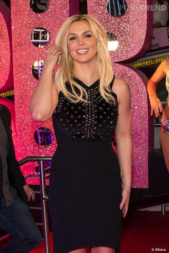 Fut un temps où Britney Spears s'attaquait aux paparazzi à coups de parapluie.