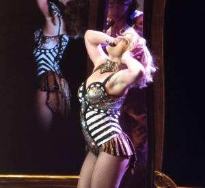 Britney Spears a bien failli finir topless sur scène.