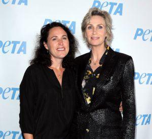 Jane Lynch et Lara Embry au temps du bonheur. Elles formaient l'un des couples gays les plus connus chez les stars.