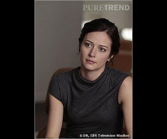 Amy Acker, alias Root, experte en informatique et en armes à feu.
