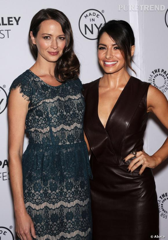 Amy Acker et Sarah Shahi sur le red carpet.