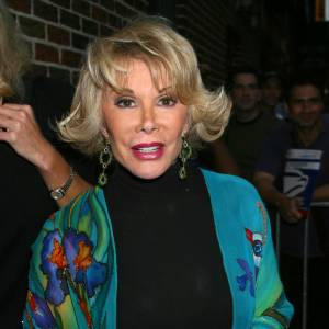 "Joan Rivers, adepte de la poudre soleil, au ""Late Night"" de David Letterman en 2003."