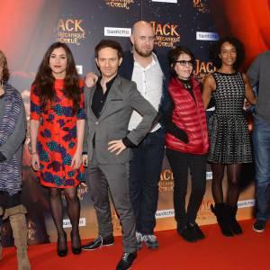 """Olivia Ruiz et toute l'équipe du film lors de l'avant-première du film """"Jack et la mécanique du coeur""""."""